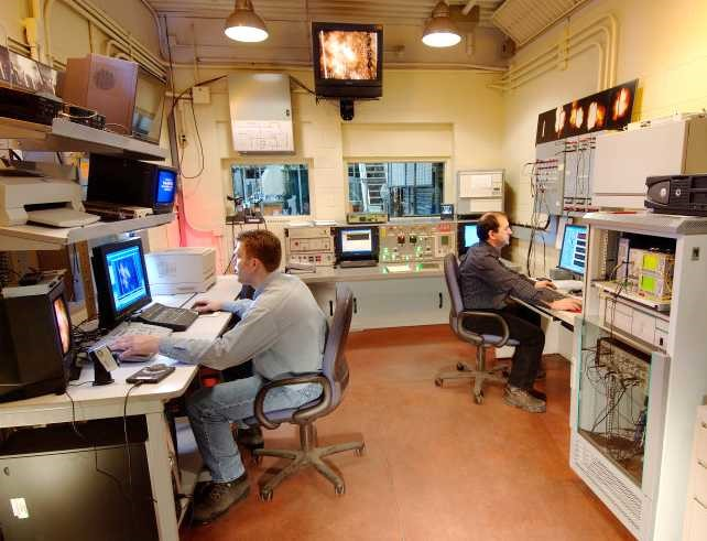 High current control room lab at Kinectrics